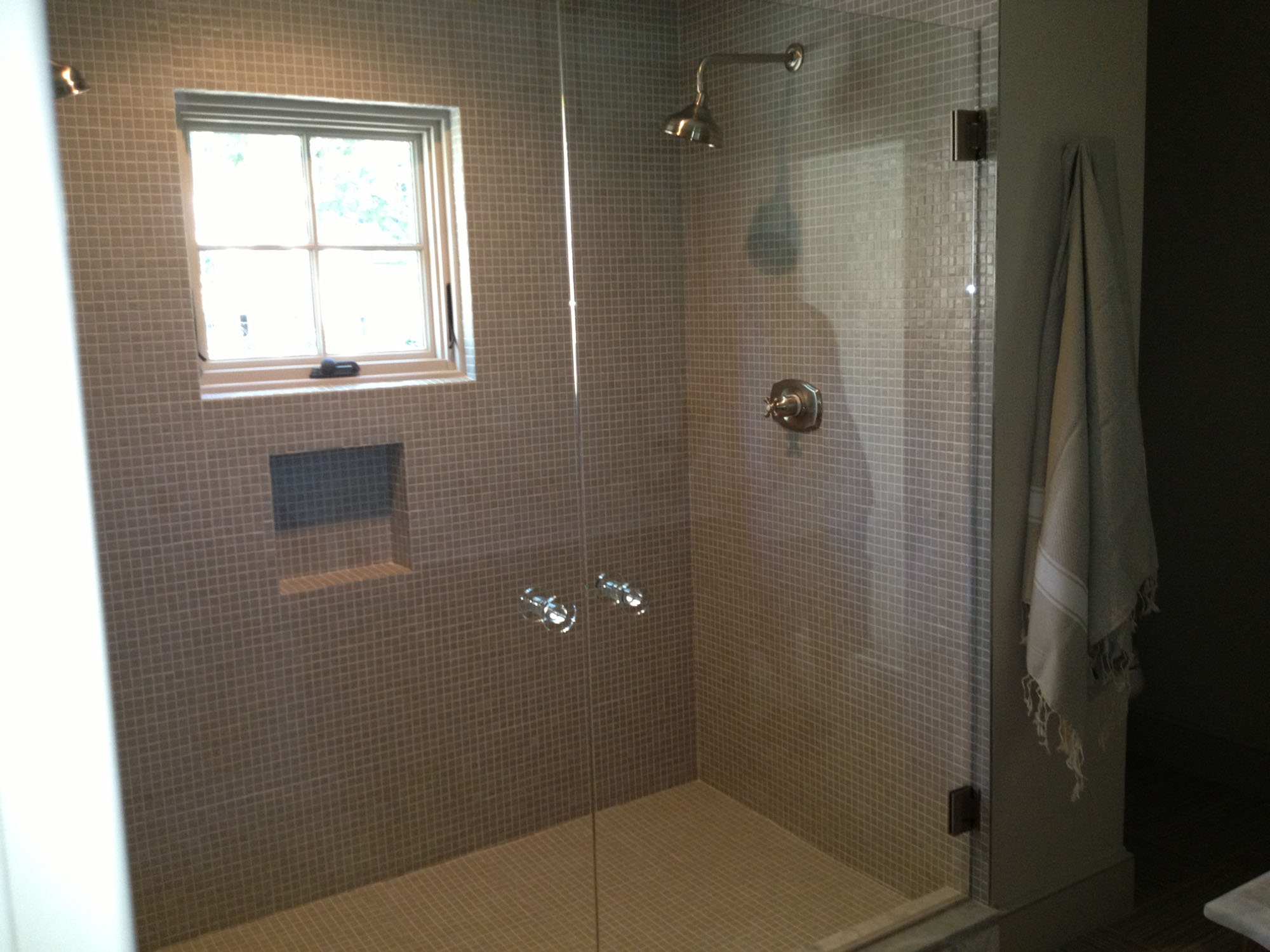 Heavy Glass Shower Enclosures - hourglasscompany.com